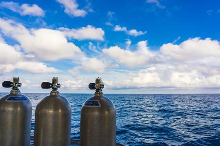 OXIGEN Tanks auf dem Boot für Tauchen, Tauchausrüstung