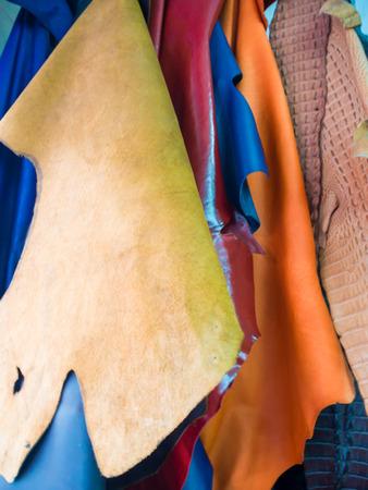 Pflanzlich gegerbtem Leder mit Kuh behobene Korn Oil Leder auf dem Regal, Lederhandwerk