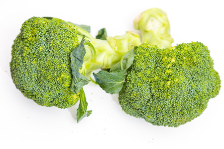 brocoli: Healthy organic fresh green brocoli isolated on white background