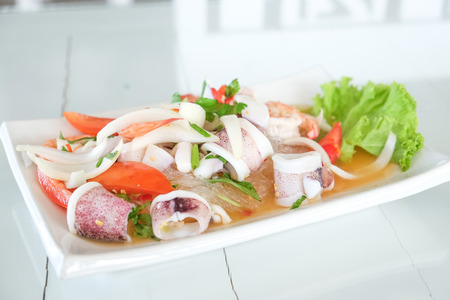 Sea giant shrimp grilled serve with sauce on white dish Imagens - 122218124