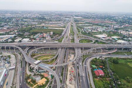 Route de la ville de trafic croisé d'intersection avec vue aérienne de transport de véhicule Banque d'images