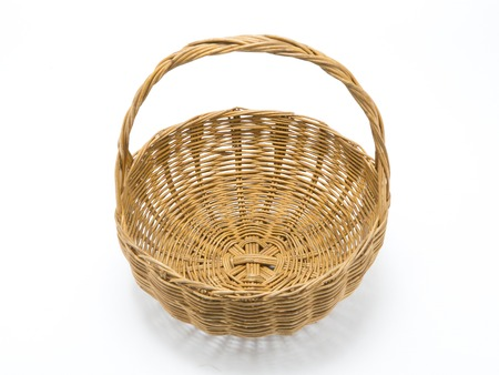 Empty wicker basket isolated on white Banque d'images