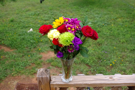 Rose Bouquet in Texas outdoors Setting