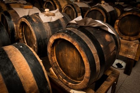 modena balsamic vinegar barrels for storing and aging