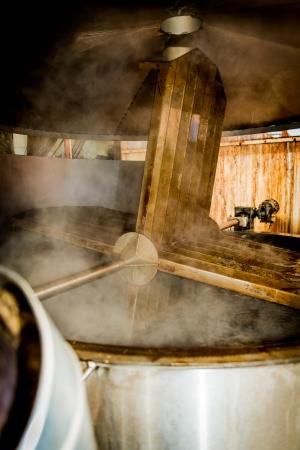 Balsamessig aus Modena, Kochen Traubenmost Standard-Bild - 23578566