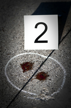 Detection of traces of blood with chalk