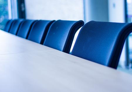 Rangée de chaises de bureau Banque d'images