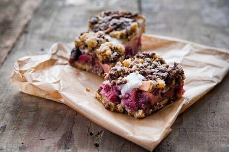 crunchy: Crunchy pie with fruits