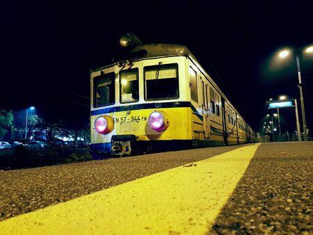 Bielsko-Biala, Poland - October 20, 2017: Classic Polish commuter train type EN57. Banco de Imagens - 128213566