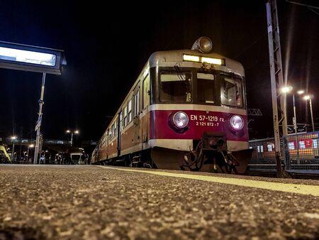 Bielsko-Biala, Poland - January 29, 2018: Classic Polish commuter train type EN57. Banco de Imagens - 128213714