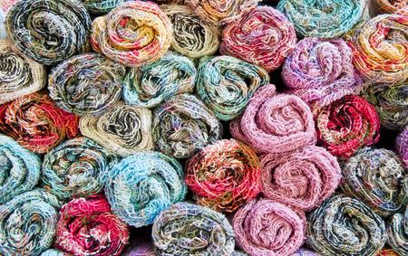 sciarpe: Sciarpe colorate fatte a mano.