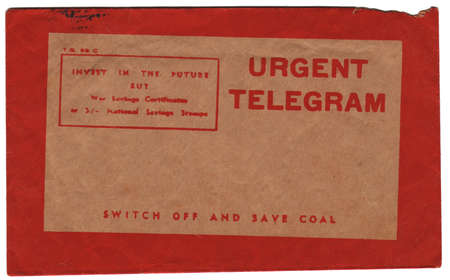 telegrama: Vintage telegrama urgente envolvente frontal Foto de archivo