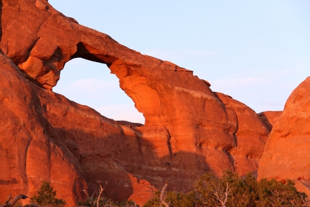 rock arch: Skyline Arch in Arches National Park, Utah