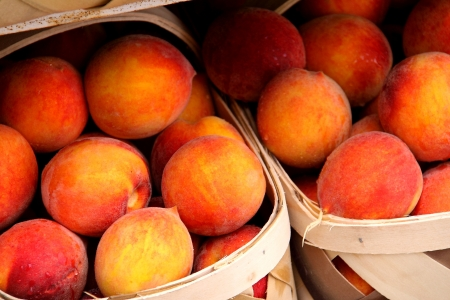 pike place market sign: Local Sweet Peaches Stock Photo