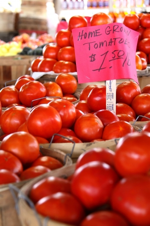 pike place market sign: Tons of Home Grown Tomatoes