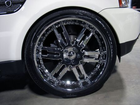 chrome: some really big rims - plenty of bling bling here...