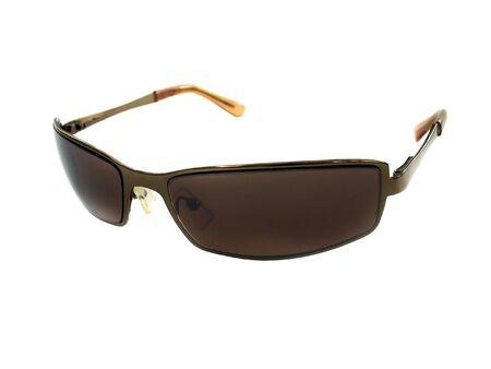 unisex: Algunas gafas de sol de color marr�n Unisex aislado m�s de blanco.