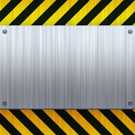 se�ales de precaucion: Una clavados 3d cepillada placa met�lica sobre un fondo de rayas de peligro de construcci�n.