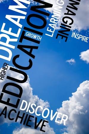 onderwijs: Een educatieve montage met tekst op een blauwe hemel achtergrond. Veel kopieer ruimte voor tekst of afbeeldingen.