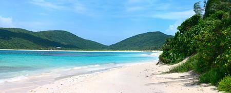 Het prachtige witte zand gevuld Flamenco beach op het Portoricaanse eiland van Culebra. Stockfoto