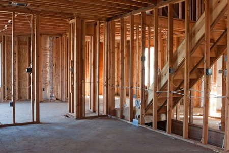 기본적인 전기 배선 및 HVAC의 완전한 액자 건물이나 주거 집.