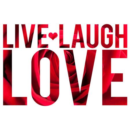 Montaje tipográfico de las palabras en vivo amor de la risa con pétalos de rosa macro textura. Foto de archivo