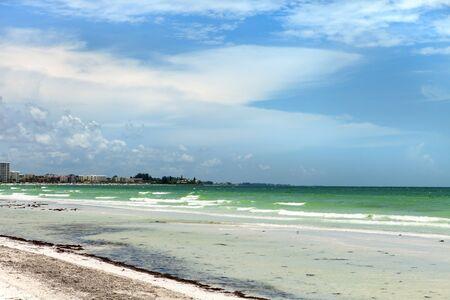 clave sol: Siesta Key Beach está situado en la costa del golfo de Florida Sarasota con fina arena.
