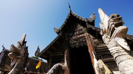 Alte buddhistische Heiligtum mit King of Nagas