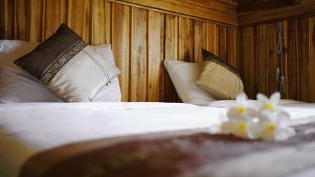 Luxury Twin Cotton Bedding mit Thai Silk Kissenbezug