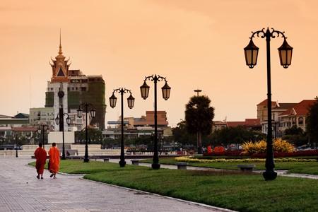 penh: Phnom Penh Sunset with monks