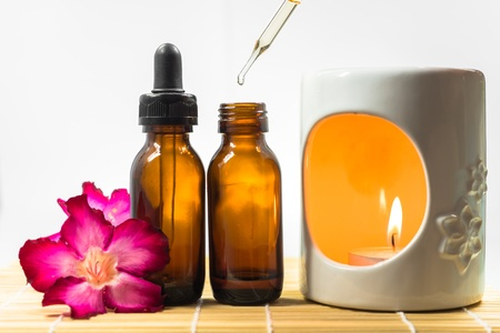 Aromatherapy oil and burner Standard-Bild