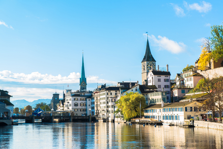 Limmat river and famous Zurich churches Imagens