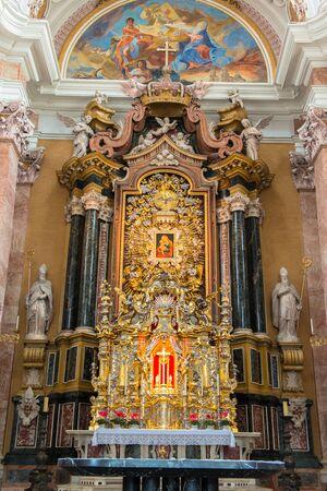 dom: Dom Sankt Jakob, Cathedral of Innsbruck, Austria �ditoriale