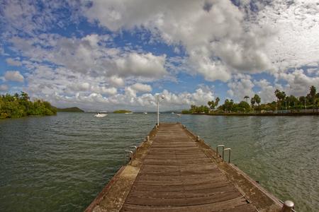 Les Trois Ilets pier - Martinique - FWI 版權商用圖片 - 113363015