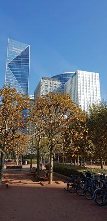 9 OCT 2018 - La Défense towers and skyline - Paris, France Banque d'images - 116311917