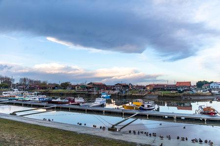 La Teste Harbor in Arcachon Bay - La Teste de Buch, Aquitaine, France Editoriali