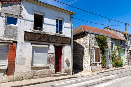 Near Giverny, old house in the village of Bennecourt, Yvelines, France Editoriali