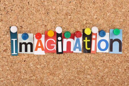 imaginacion: La palabra imaginaci�n en letras de revistas clavado en un tabl�n de corcho