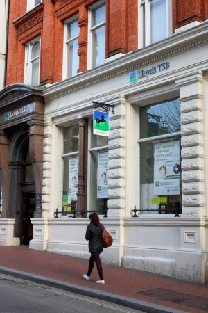 lloyds: READING, ENGLAND - FEB 02  The exterior of Lloyds TSB Bank in Reading, England on February 2nd 2013  LLoyds Banking Group is amongst the top five banking operations in the United Kingdom  Editorial