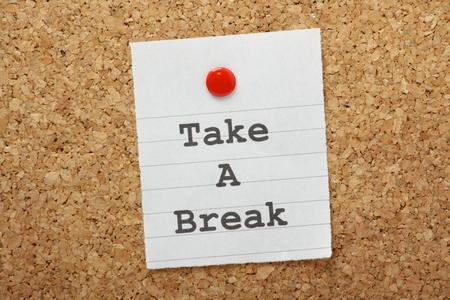 Immagini Stock - La Frase Mangiare Sano, Muoversi Di Più E Breathe Easy Su  Una Nota Appuntata Ad Una Bacheca Di Sughero Come Una Chiamata  Motivazionale Di Esercitare E Adottare Uno Stile