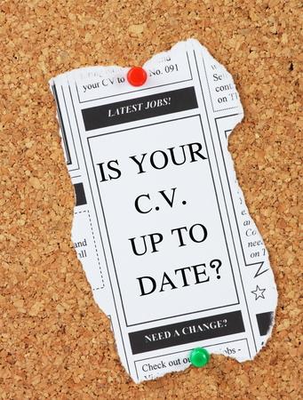 cv: Un recorte de la secci�n de anuncios clasificados para los �ltimos Puestos de Trabajo con la pregunta: �Es tu CV actualizado?