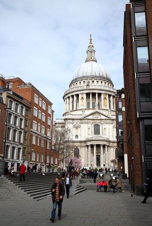 sightseers: London, England - April 02, 2015: A view of St Paul Editorial