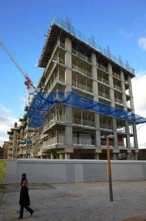winchester: Bracknell, England - Nov 12, 2017: Construction of a residential apartment block Royal Winchester House as part of a new development in the town center by Cromer Homes