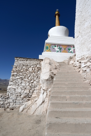 gompa: Buddhist monastery (gompa) along river in Ladakh, Jammu & Kashmir, Northern India  Stock Photo