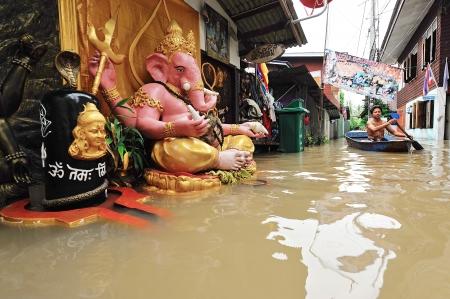 KOH KRED, THAILAND - OCTOBER 26: Heavy flooding from monsoon rain and tide from sea in Koh Kred Nontaburi near Bangkok on November 8, 2009 in Nontaburi, Thailand.