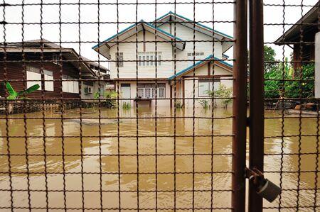 nontaburi: NONTABURI, THAILAND - OCT 10:  Flooding in Nontaburi on October 26, 2010 in Nontaburi, Thailand.