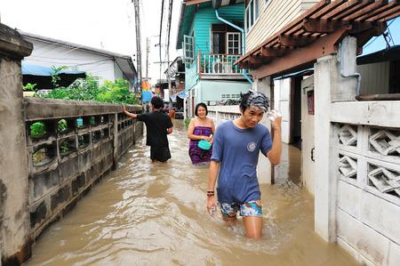 nontaburi: NONTABURI, THAILAND - OCTOBER 26: Heavy flooding from monsoon rain in Nontaburi near Bangkok on October 26, 2010 in Nontaburi, Thailand.