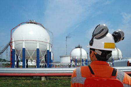 trabajador petroleros: trabajador petrolero y plataforma petrolera