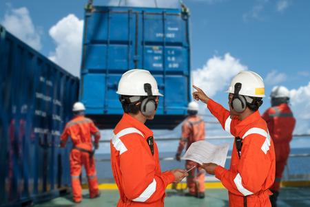 petrole: ouvrier du p�trole et de plate-forme p�troli�re Banque d'images