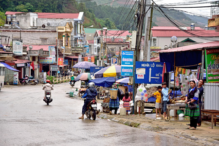 sa: Mu Chang Chai, VIETNAM, JUN 11: daily life of unidentified people in Mu Chang Chai city on June 11, 2015 in Mu Chang Chai, Vietnam.